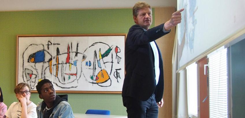 Borgmester underviser i samfundsfag